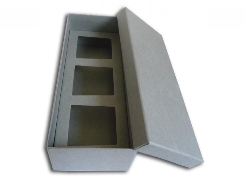 boite et couvercle en carton rembord avec calage carton cartons couch recycl rembord. Black Bedroom Furniture Sets. Home Design Ideas